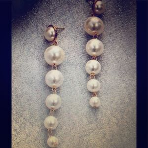 Jewelry - NEW IN!! 5 Drop Pearl Gold Toned Earrings